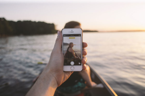 These 7 iPhone Apps Will Make Your Next Trip A Breeze